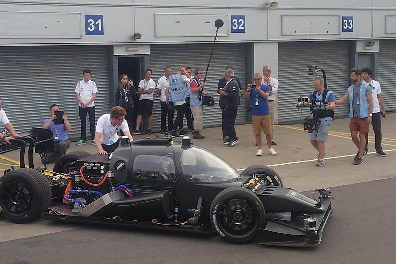 DevBot em Donington. Fonte: Autosport [3].
