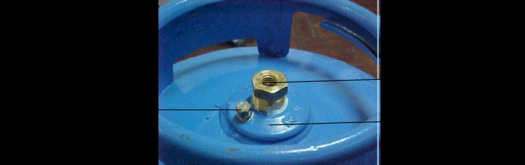 Detalhe dos componentes de segurança de um botijão de gás [4]. Fonte: Fogás.