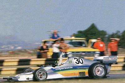 Wilson na pista de Buenos Aires durante o GP da Argentina de 1975. Fonte: F1 Stats [10]