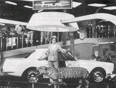 O Onça durante seu lançamento no Salão do Automóvel de 1966.