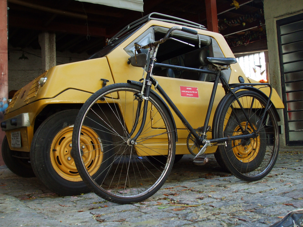 Pouco maior que uma bicicleta e equipado com o motor VW1300, o Tupy deve ter uma agilidade invejável no trânsito. Fonte: Arquivo Pessoal.