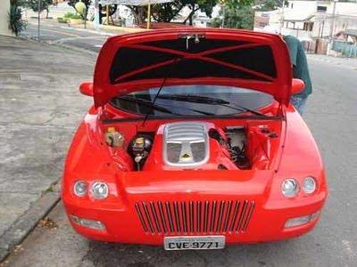 Detalhe do compartimento do motor do Emme Lotus 422T