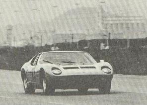O Lamborghini de Alcides Diniz na prova que foi a última vitória de Christófaro com a carretera. Fonte: Brazilexporters [4].